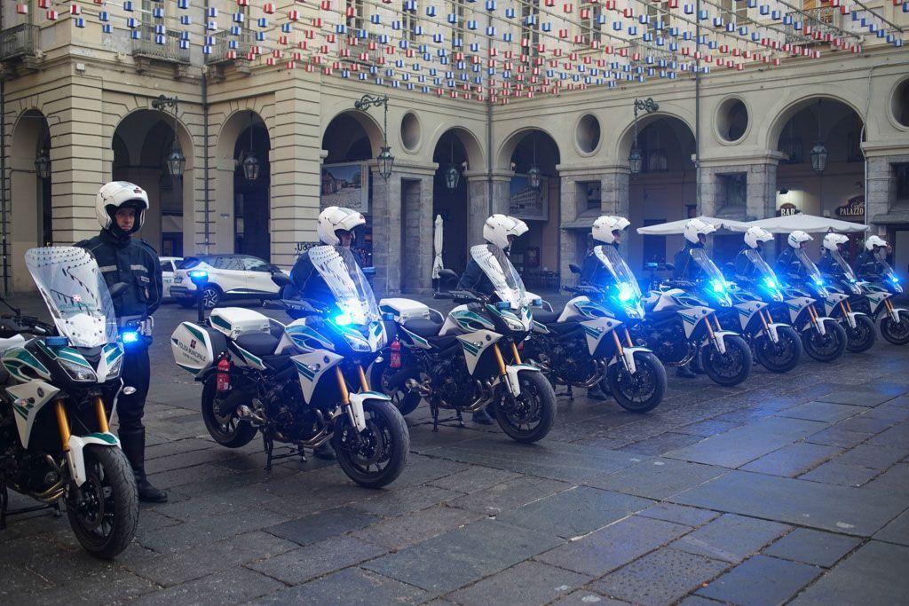 la polizia municipale di torino sceglie yamaha tracer 900
