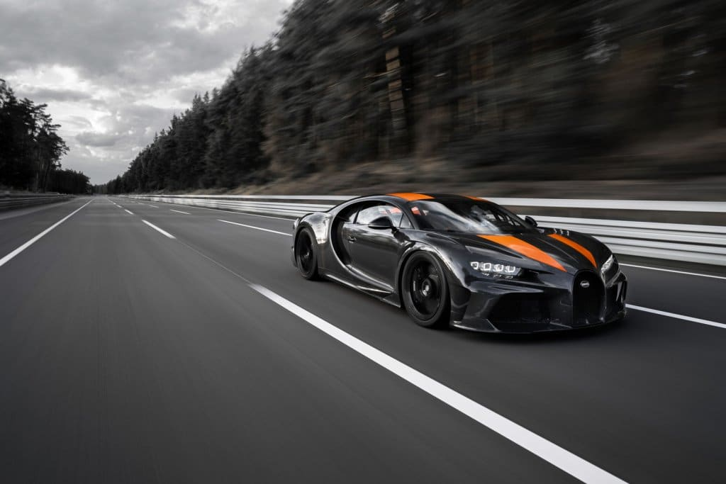 Bugatti Chiron: record di 490 km/h per Top Gear